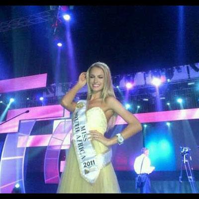 Le finaliste di MISS SUD AFRICA vestono DUE PUNTI